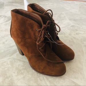 NWOT SODA faux suede lace up heeled ankle booties